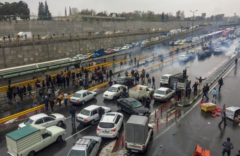 «Шесть дней мы жили в изоляции». Монолог российской студентки, пережившей протестные акции в Иране