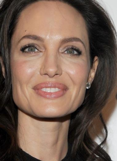 Как выглядели Анджелина Джоли, Николь Кидман и другие актрисы в первых фильмах