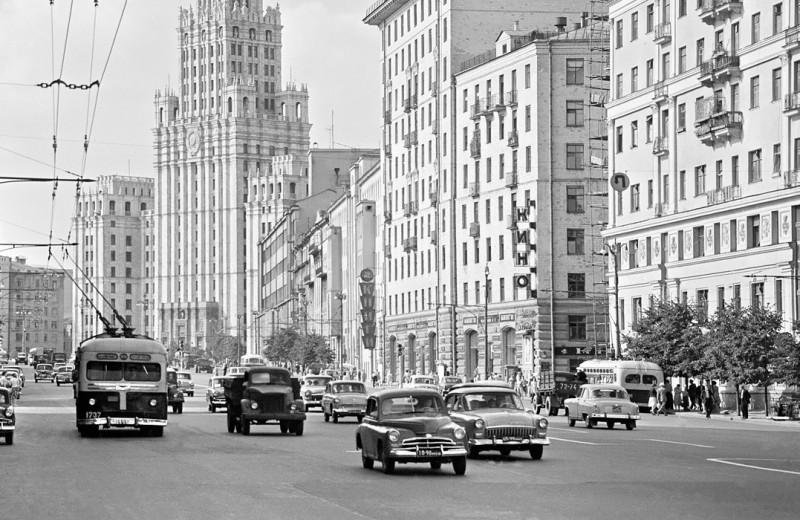 Каршеринг в СССР: на чем ездили и сколько это стоило