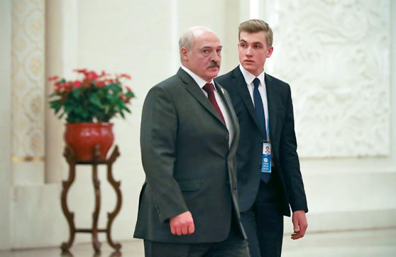 Диктатор в семье. Как мальчик Коля стал атрибутом власти Лукашенко