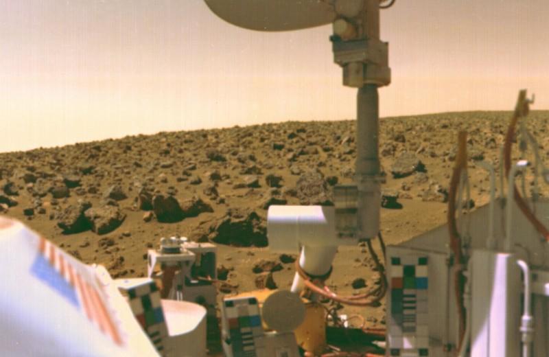 Бывший учёный NASA заверяет: жизнь на Марсе обнаружили ещё 40 лет назад