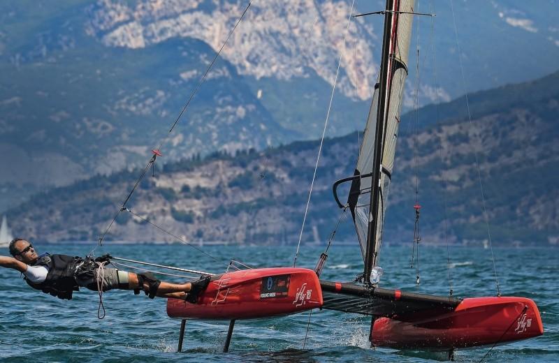 Взлететь над водой: яхты на подводных крыльях