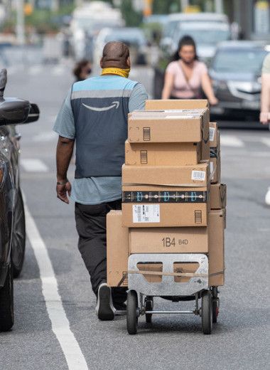 Белые рыцари Amazon: как зарабатывать миллионы на миллиардах Джеффа Безоса