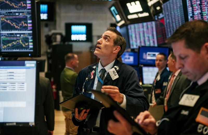 «Не бегайте по скользкому полу в крови»: как реагировать на обвал на фондовом рынке