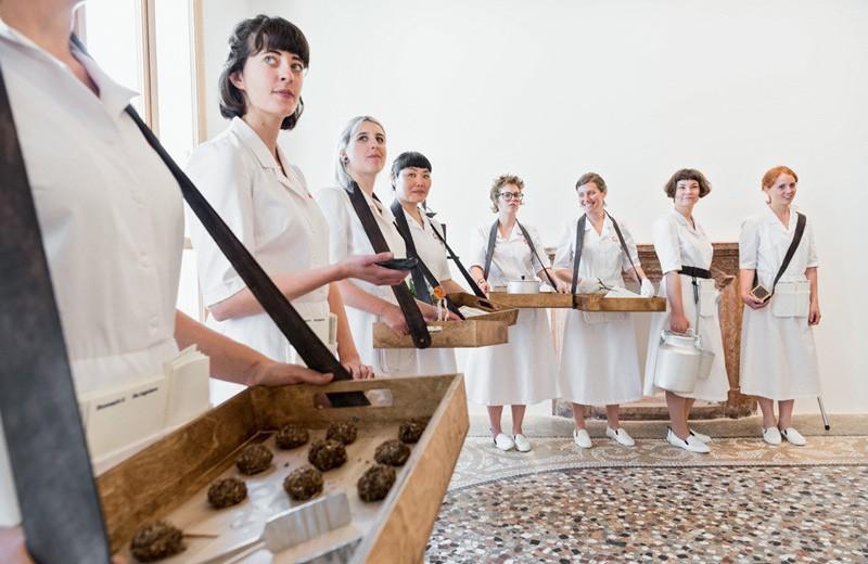 Таус Махачева — надежда и опора современного российского искусства