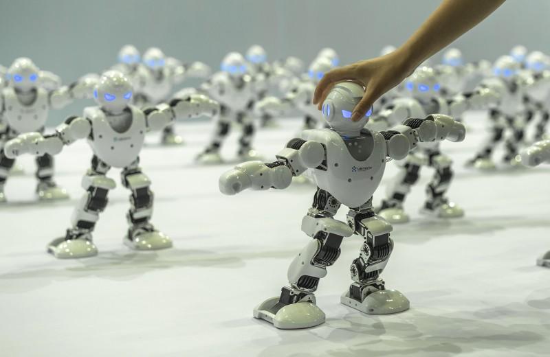 Лекарство от всех болезней или гибель цивилизации: чем обернется для человечества новый виток развития искусственного интеллекта