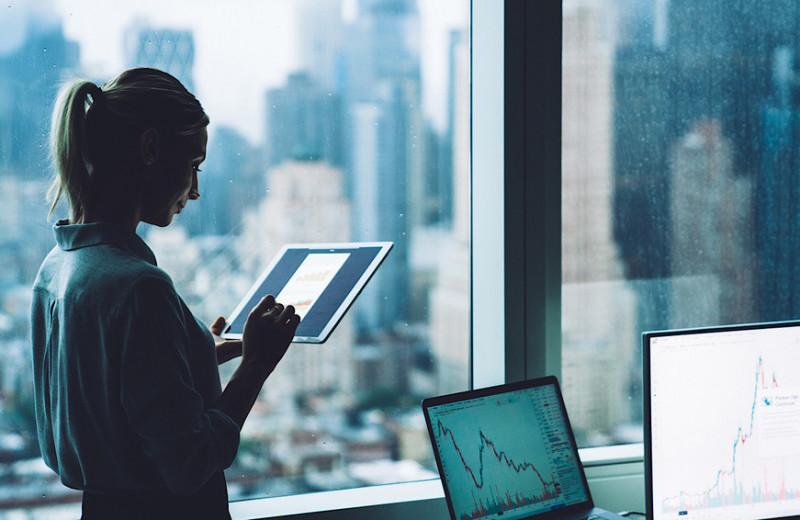 Исследование: только в 1% статей об экономике можно встретить комментарии предпринимательниц