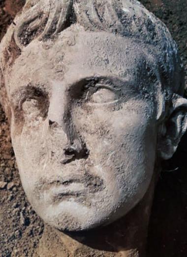 В Изернии найдена мраморная голова императора Августа