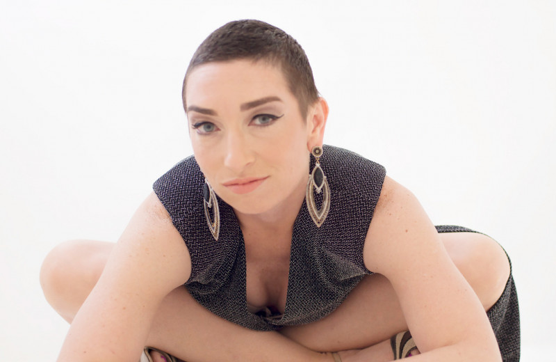 История актрисы Наоми Гроссман, которая не боится быть смешной