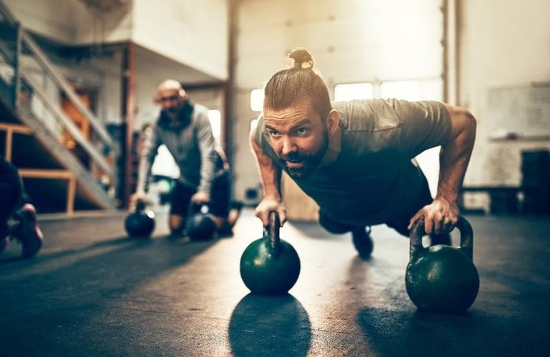 Сложные отжимания: как превратить классическое упражнение в универсальное