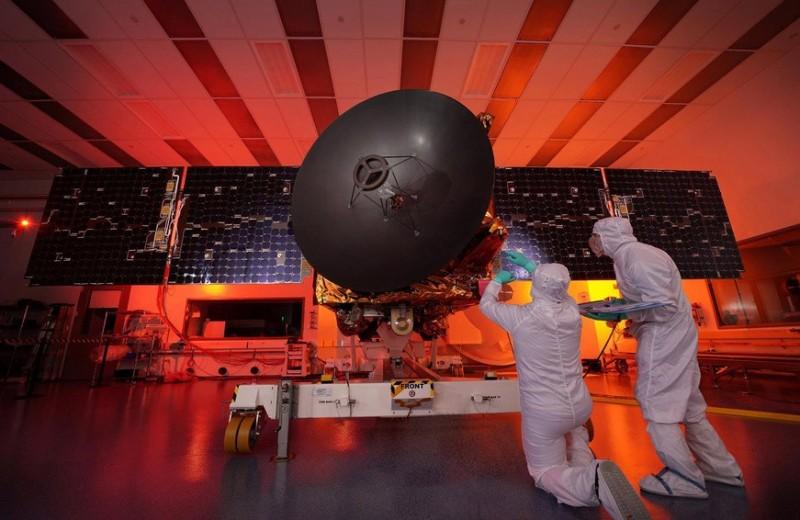 Арабская экспансия в космос: зачем ОАЭ отправляют зонд к Марсу