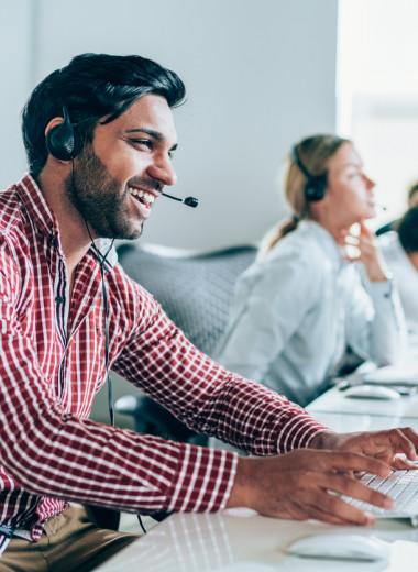 Когда сотрудники компании говорят «я» вместо «мы» в общении с клиентами, продажи растут