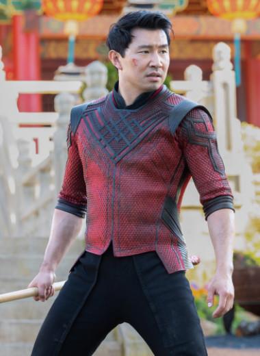 «Шан-Чи и легенда десяти колец» — самый веселый фильм Marvel. Ему не хватает лишь Джеки Чана