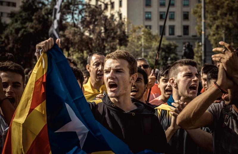 Протесты в Барселоне. Что происходит в столице Каталонии и есть ли опасность для туристов