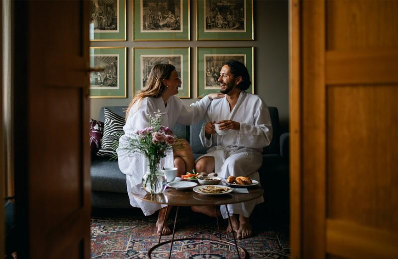 Переехать, жениться и не заводить детей: 9 парадоксальных научных советов, как стать счастливым