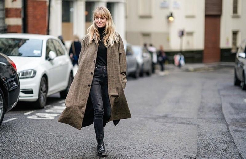 Расстегнутое пальто: 3 причины, почему застегиваться стало немодно