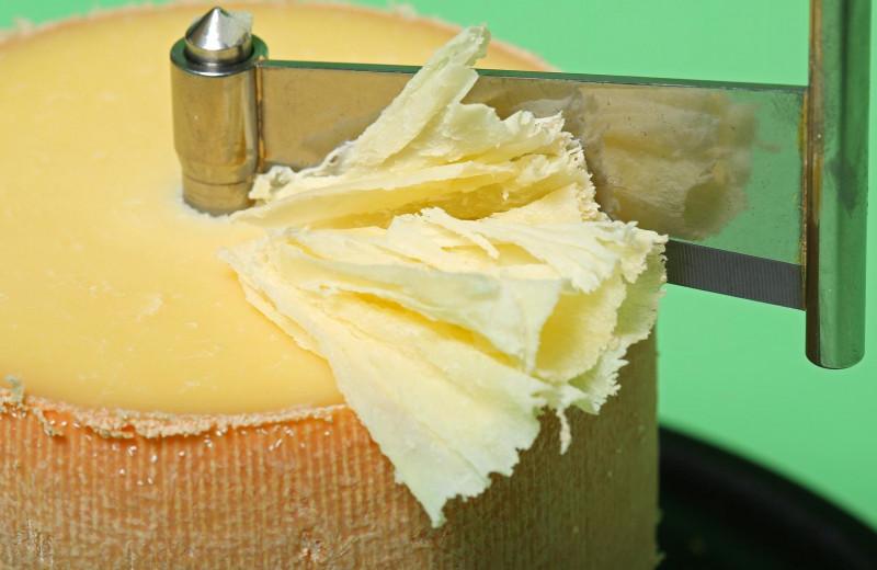 Ножи для сыра: как правильно выбрать