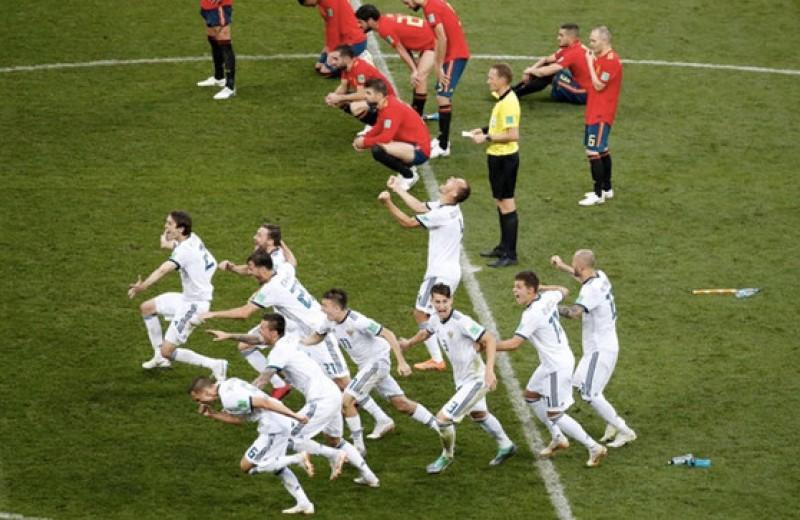 Щипай нас, мы спим!!! Россия обыграла Испанию и вышла в четвертьфинал!