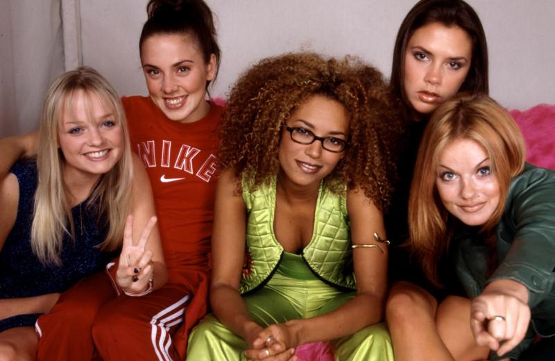 Бьюти-эволюция: как менялись все участницы Spice Girls