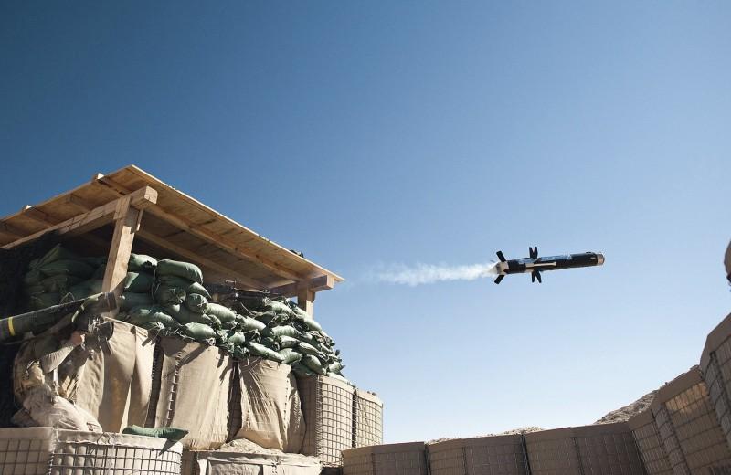 Удар с небес: как устроен противотанковый ракетный комплекс Javelin