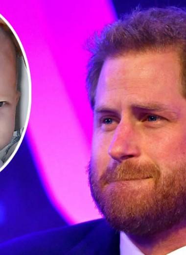 Принц Гарри публично расплакался, говоря о жене и маленьком сыне