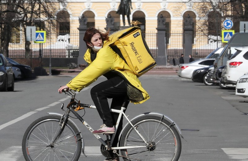 Как я работаю курьером в карантин: рассказ нашей героини из Санкт-Петербурга