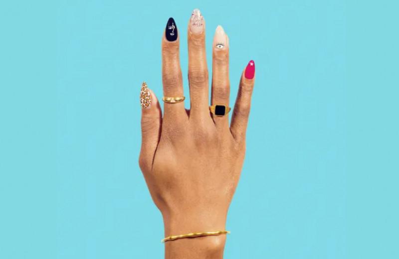 Полоски, пятна, странный цвет: 7 проблем со здоровьем, о которых говорят ногти