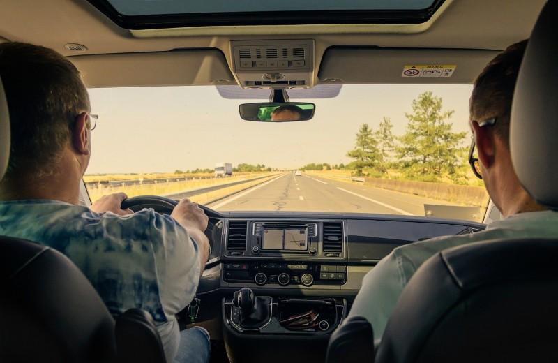 5 отличных приложений, которые облегчат вашу жизнь за рулем
