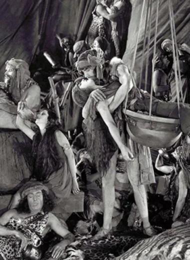 Первомайский свальный грех: история оргий от Древнего Египта до наших дней