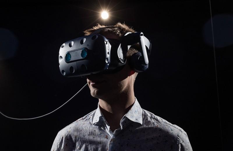 Бегство от реальности: как заработать на доступе в виртуальные миры