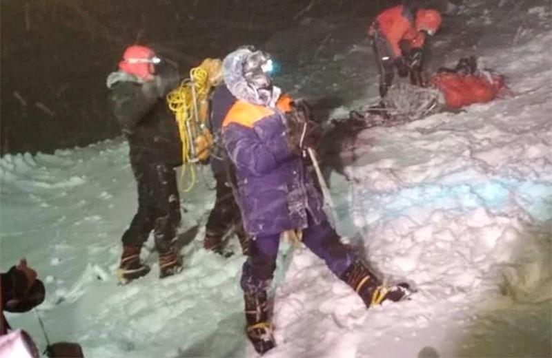 Эльбрус — дешево. Почему туристы гибнут при восхождениях в горы
