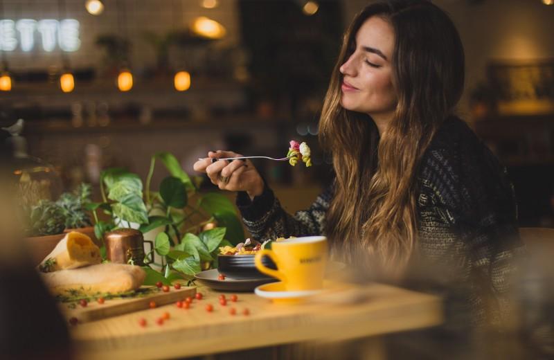 Почему мы едим, когда на самом деле неголодны