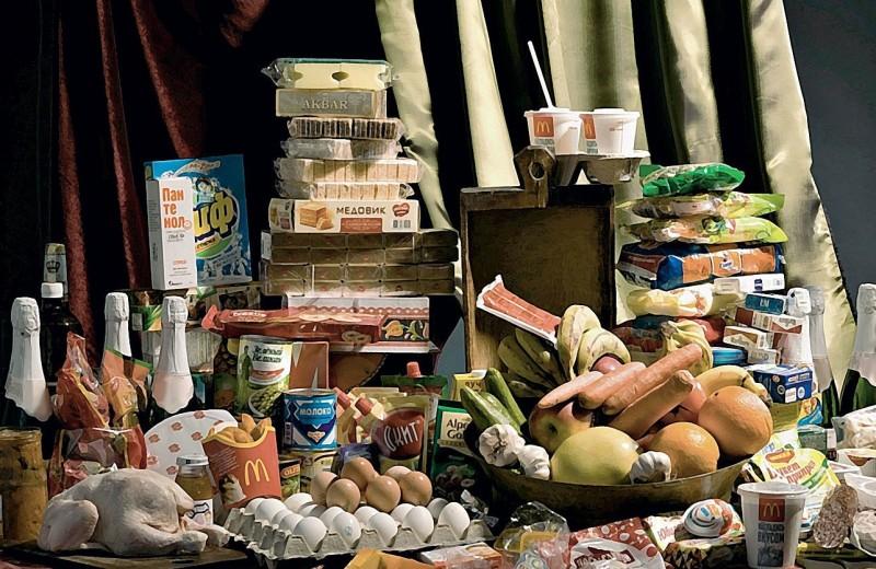Бюджетное послание: продуктовые наборы обычных граждан России (фотопроект)