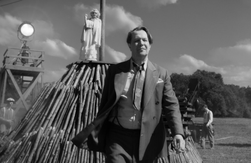 «Атлант, что не расправил плечи»: на Netflix вышел черно-белый шедевр Дэвида Финчера «Манк»