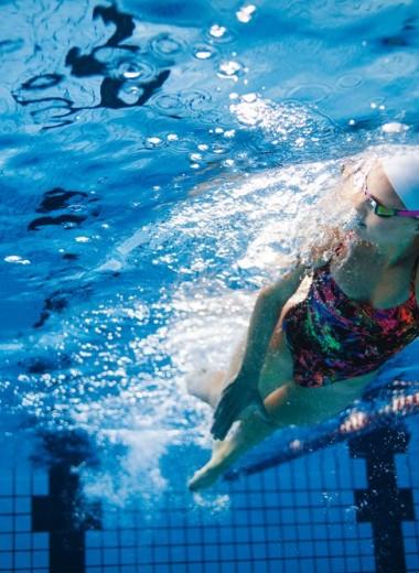 Как научиться плавать правильно