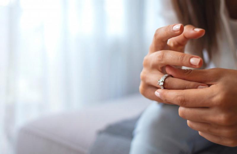 «Я должна держаться на расстоянии от мужа, потому что моя сестра влюблена в него»