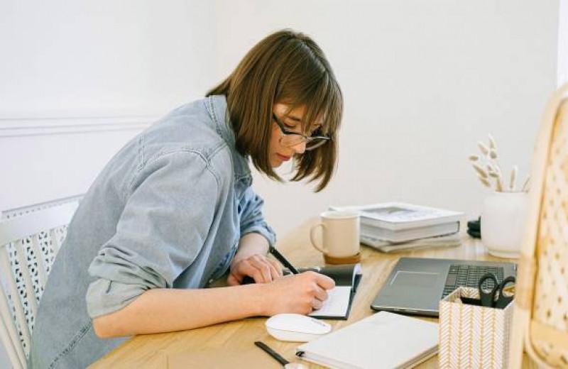 «Дорогой дневник...» Как записи влияют на здоровье, настроение и память?