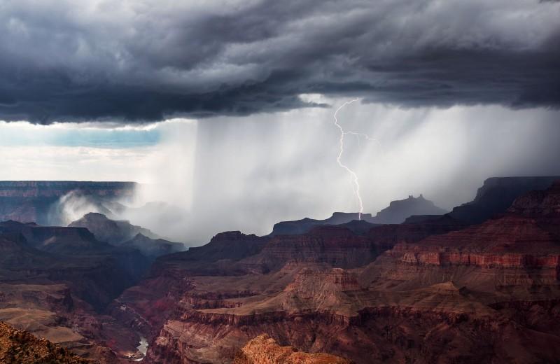 Можете больше не бояться кислотных дождей. У нас новая напасть – пластиковые ливни