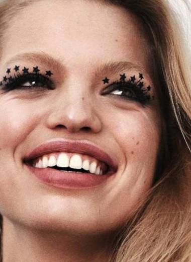 Не только зубная паста: что еще положить в косметичку для красивой улыбки
