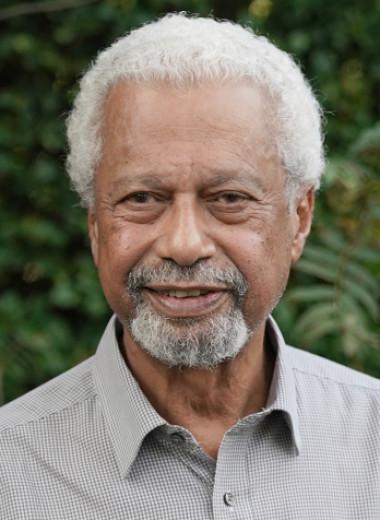 Не женщина и не поэт: почему Нобелевскую премию получил писатель из Танзании