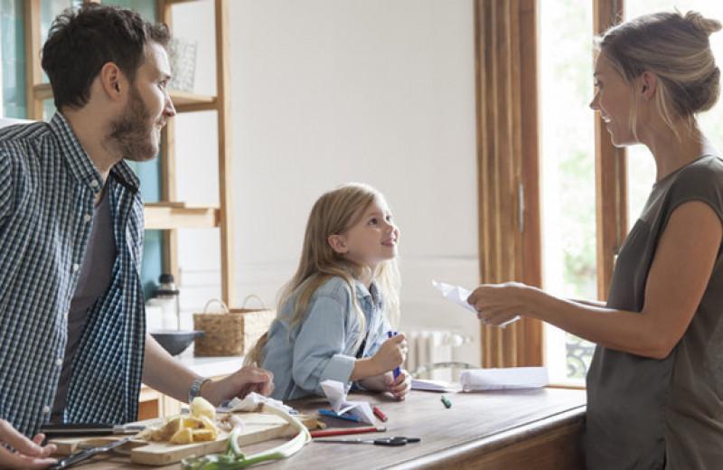 Как нас обманывали родители: 11 забавных историй