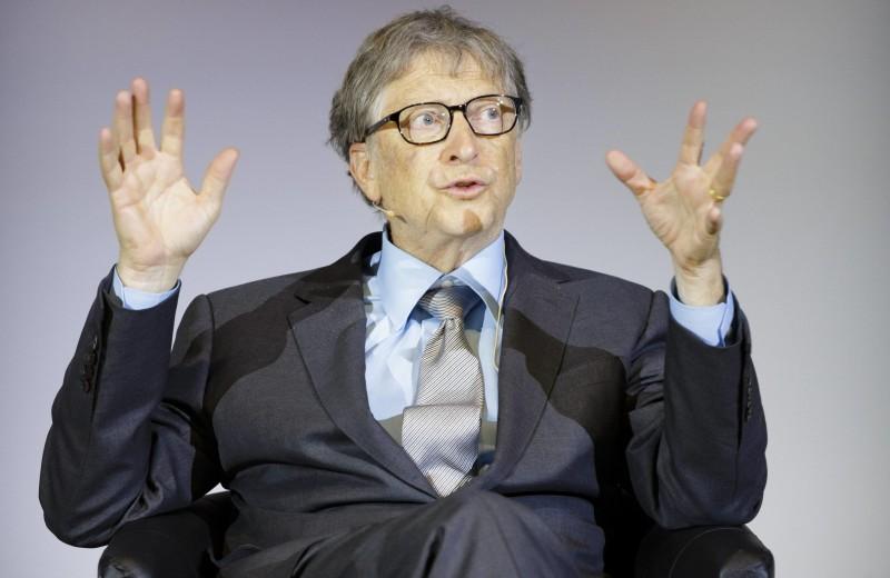 Билл Гейтс составил список чтения на лето — в него вошла книга Эдит Евы Эгер «Выбор» о холокосте и травме. Публикуем рецензию Гейтса и фрагмент книги