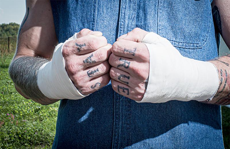 «Чисто от души хочу бить в *****». Кто участвует в любительских кулачных боях и почему они популярны в России