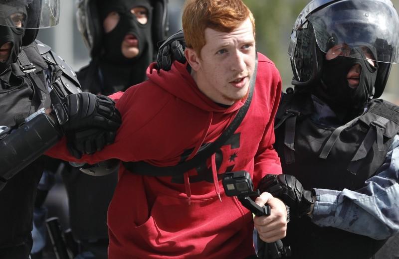 В Москве проходит митинг за свободные выборы. Начались задержания