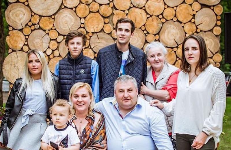 Как отец пятерых детей зарабатывает по 7 млн рублей в месяц на парке развлечений под Петербургом