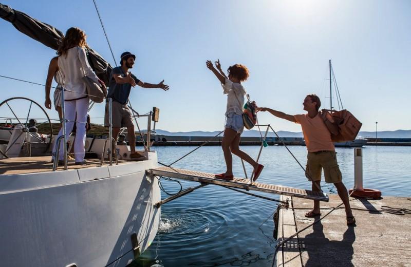 Как арендовать яхту за рубежом: цены, особенности и расходы