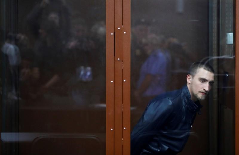«Страшный суд судьи Криворучко»: Ургант, Петров, Галкин и Слепаков — о приговоре Павлу Устинову
