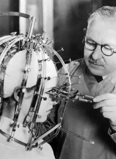 Жутко красиво: какими были бьюти-инструменты в эпоху наших бабушек и прабабушек