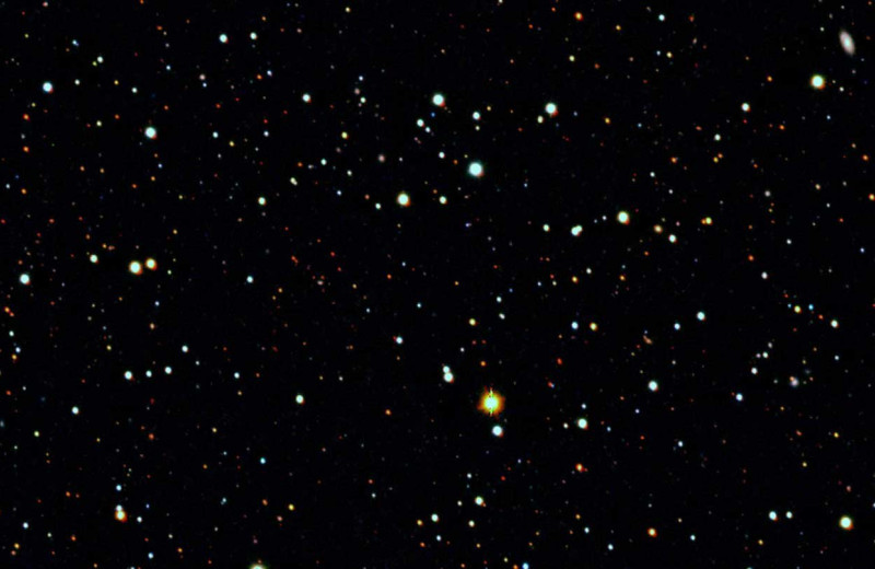 Огромный ореол темной материи замечен вокруг карликовой галактики в созвездии Тукана