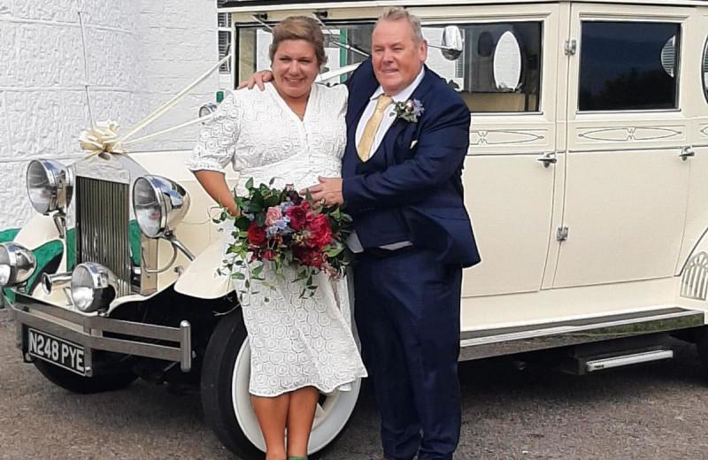 Любовь побеждает всё: мужчина женился на любимой женщине после 35 лет разлуки